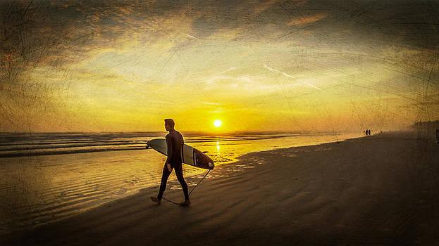 Sunrise Surfer by DM Photography- Dan Mongosa