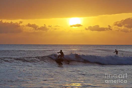 Sunset At Launiupoko by David Olsen