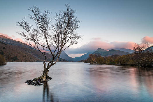 Sunset at Llyn Padarn by Christine Smart