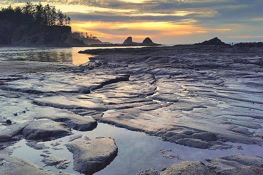 Sunset Glow by Suzy Piatt