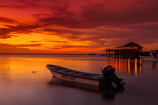 Sunset in paradise by Stephen Degraaf