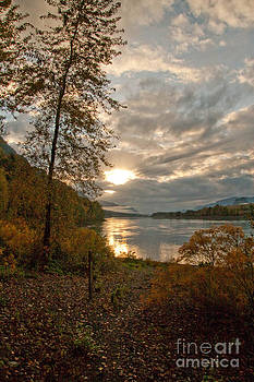 Sunset on the Columbia by Cari Gesch