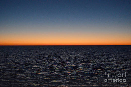 Sunset on the Gulf by Robert  Suggs