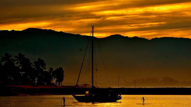 Sunset Paddle  by Naturae Sua