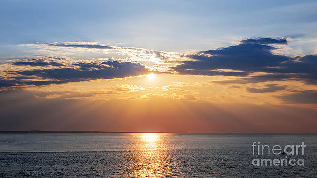 Elena Elisseeva - Sunset sky over ocean