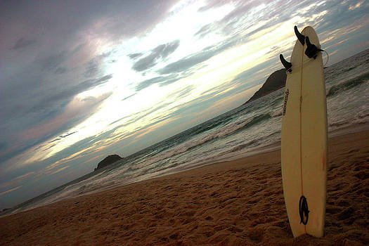 Sunset surfing  by Frederico Borges