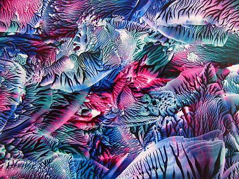 Swirling Waves by Dallas  Manicom