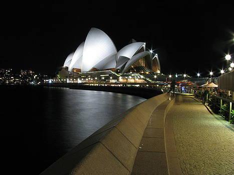 Sydney Opera House by Florian Strohmaier