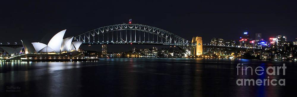 Sydney  by Tatjana Popovska