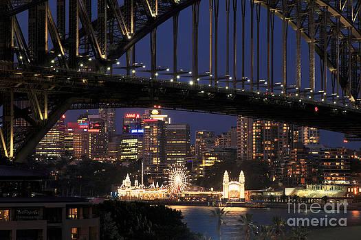 Sydneys Glory  by Tatjana Popovska