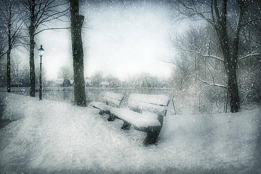 Take a Seat by Annie  Snel