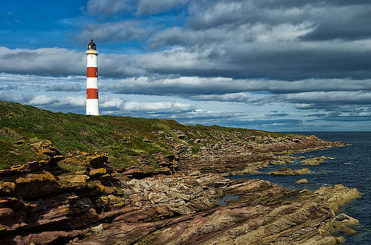 Tarbet Ness Lighthouse by Jacqi Elmslie