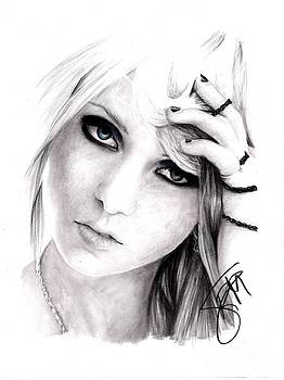 Taylor Momsen by Rosalinda Markle