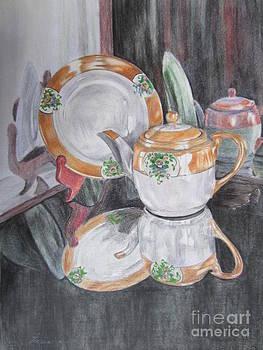 Tea Pot by Laurianna Taylor