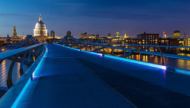 Adam Pender - Thames Riverside Blues