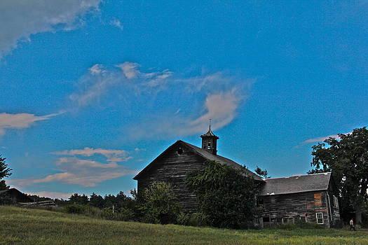 The Barn at Northfield by Graham Hayward