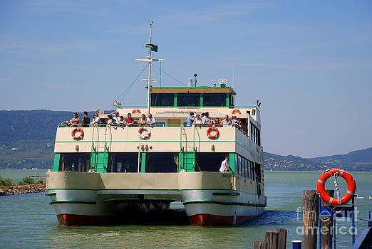 Joe Cashin - The ferry at Fonyod