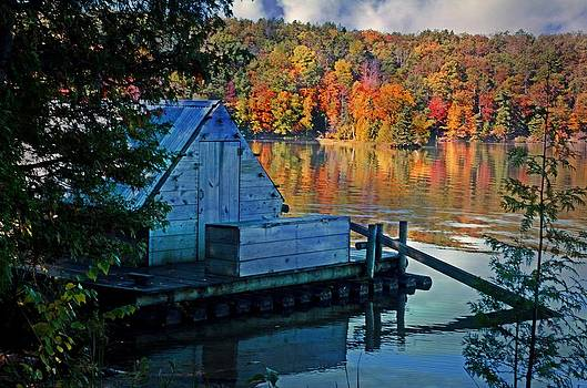 The floating cook shack by Cheryl Cencich