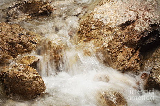 LHJB Photography - The golden stream