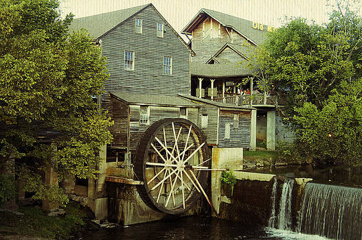 Laurie Perry - The Old Mill