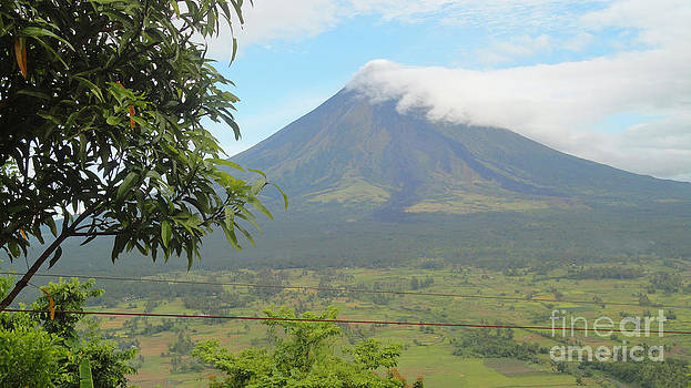 The Quite Mayon by Manuel Cadag