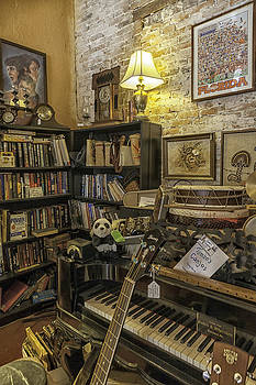 Lynn Palmer - The Reading and Music Nook