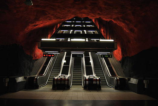 The red station by Frederico Borges