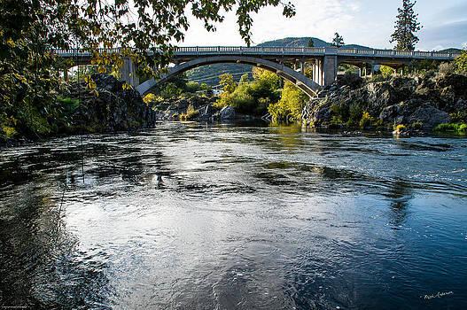 Mick Anderson - The Rogue River at Gold Hill Bridge