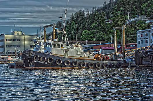 The Tug 4 by Timothy Latta