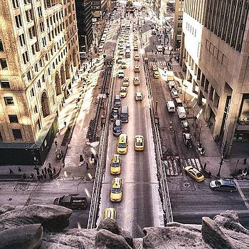 This Is A View Of Park Avenue South As by Vivienne Gucwa