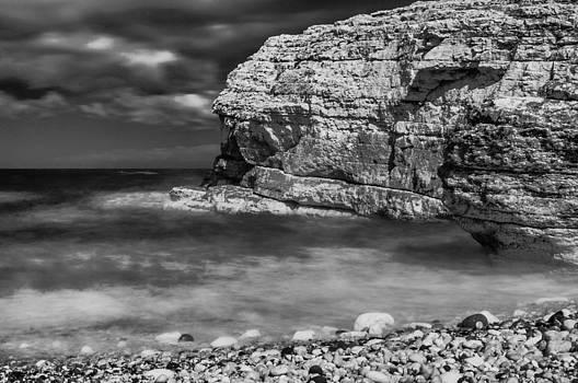 Thornwick Bay 1 by Glenn Hewitt