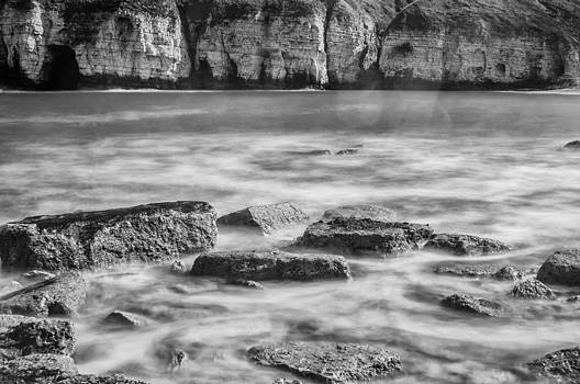 Thornwick Bay 4 by Glenn Hewitt