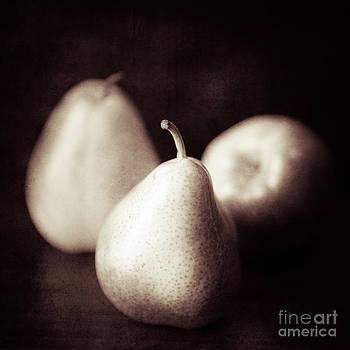 Lisa McStamp - Three Pears