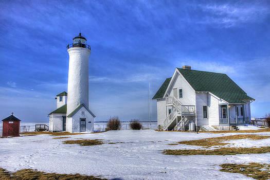 Tibbetts Point Lighthouse by David Simons