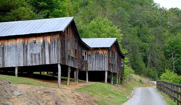 TN Barns by Kasie Morgan