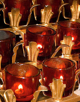 Karol  Livote - To lite a Candle