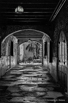 Christopher Holmes - To The Courtyard - BW