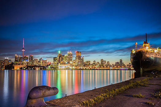 Toronto Skyline at dusk by India Blue photos