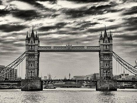 Tower Bridge by Brian Orlovich