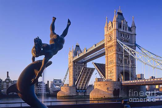 Tower Bridge by Derek Croucher