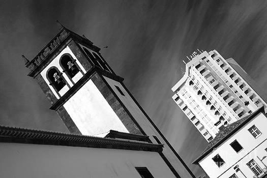 Gaspar Avila - Towers