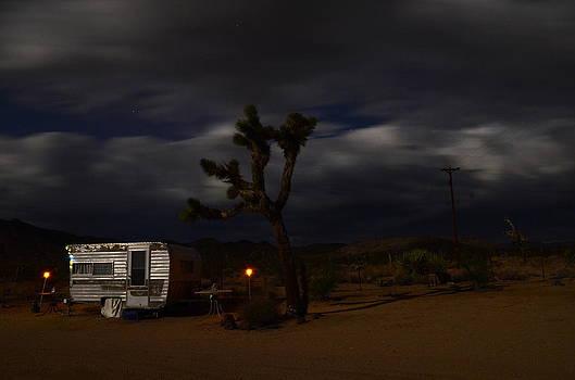 Trailer Blurry Sky1 by Lee Scott