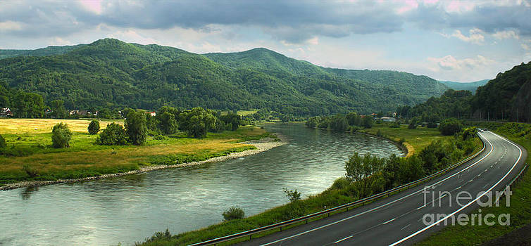 Gregory Dyer - Train to Prague -  River