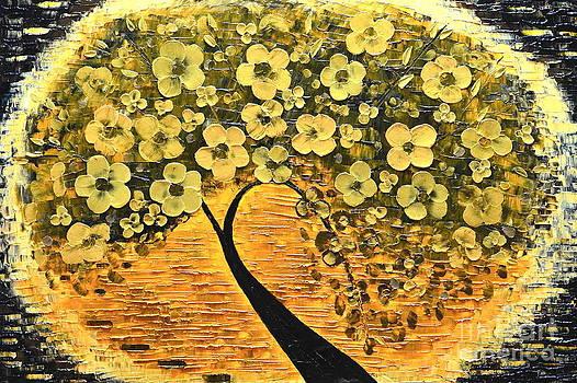 Tree in golden by Mariana Stauffer