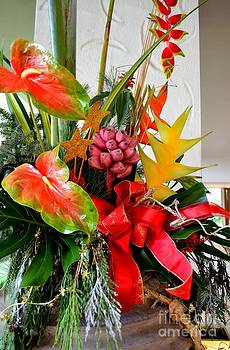 Mary Deal - Tropical Christmas Bouquet