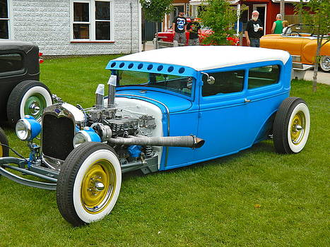 True Blue Cruiser by Randy Rosenberger