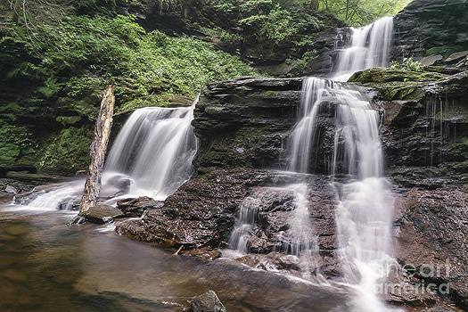 Tuscarora Falls close up by Aaron Campbell