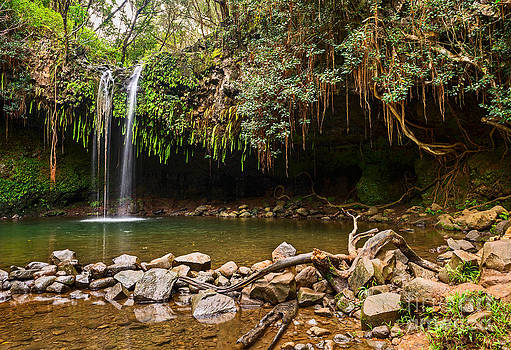 Jamie Pham - Twin Falls - the beautiful and magical falls along the Road to Hana in Maui