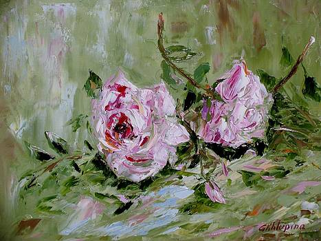 Two Roses by Galina Khlupina