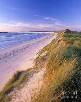 Uist Dunes by Derek Croucher